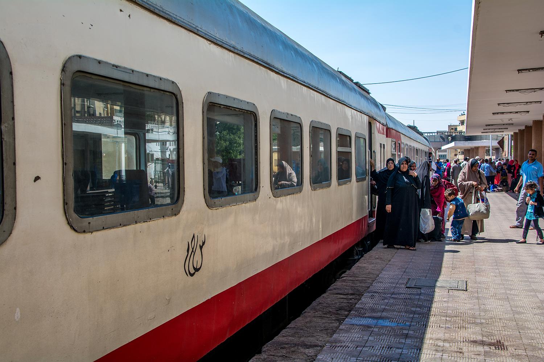 アスワン行きの電車