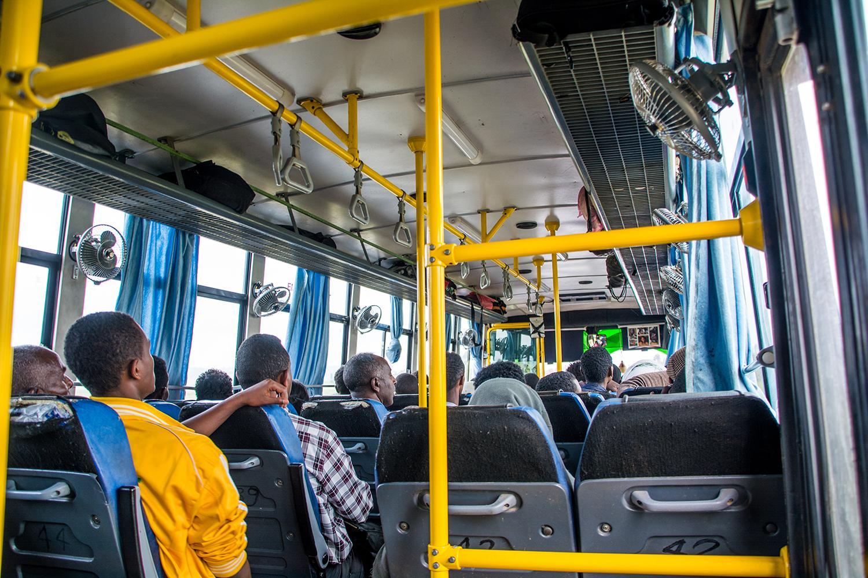 バハルダールからアディスアベバに向かうバス