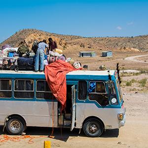 ジブチからエチオピアに向かうバス