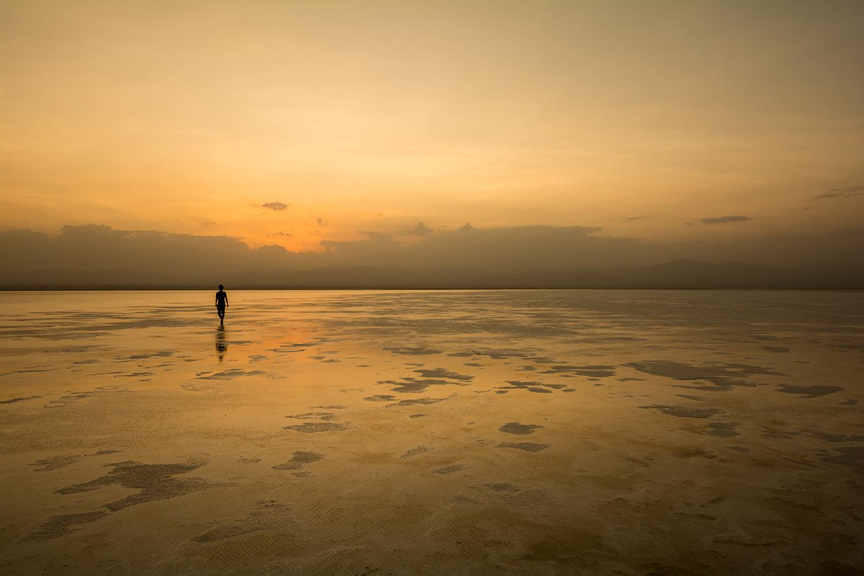 アサレ湖の鏡張り