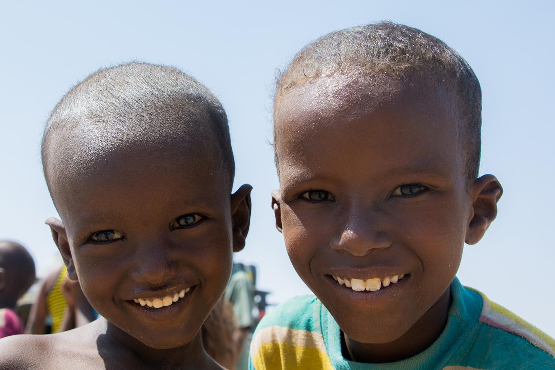 ダナキル砂漠の子供達