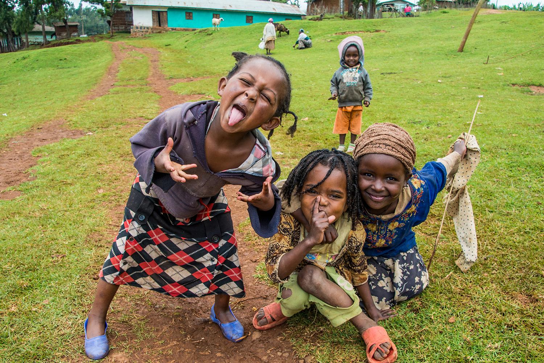 ドルゼ村の子供達