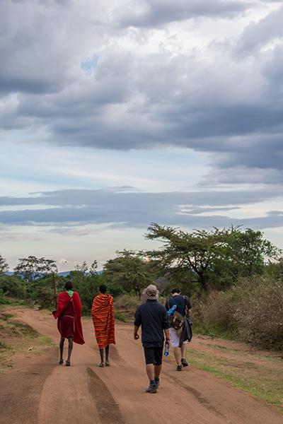 マサイ族の村に向かう道