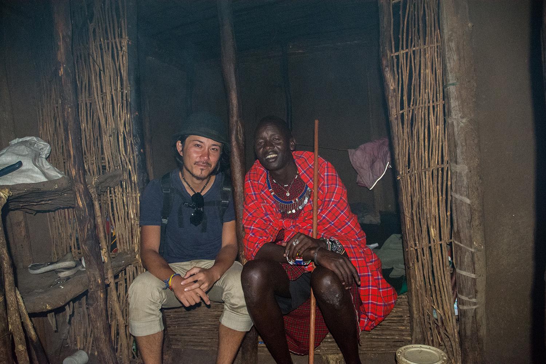 マサイ族と根本大樹