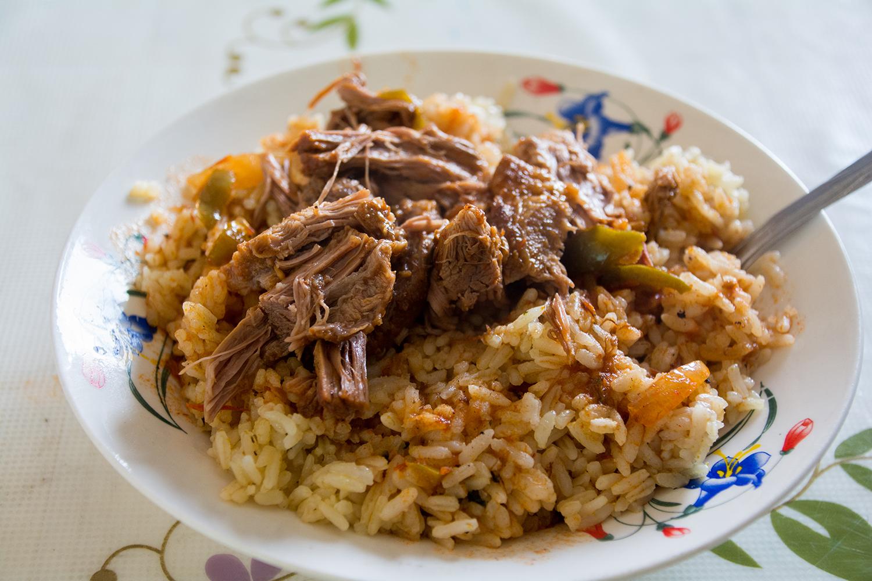 ブルンジの安食