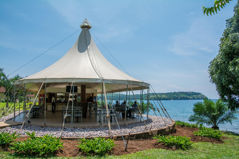 タンガニーカ湖のホテル