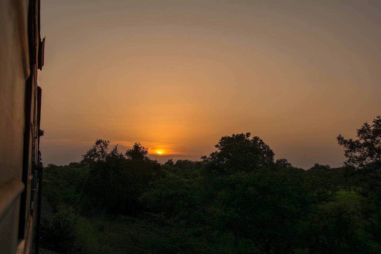 タンザン鉄道から見る夕日