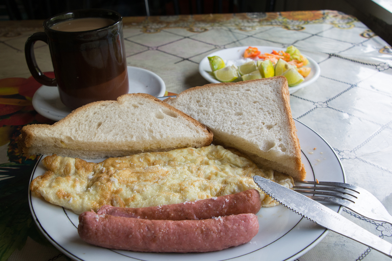 タンザン鉄道の朝食