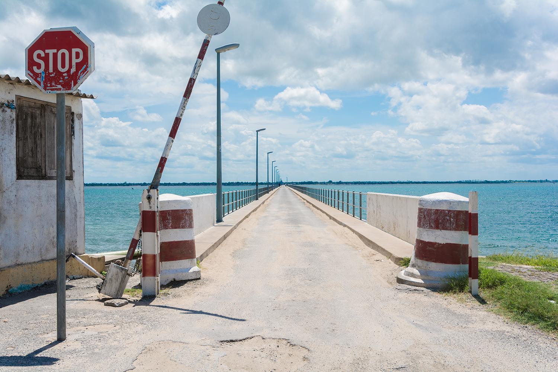 モザンビーク島をつなぐ橋