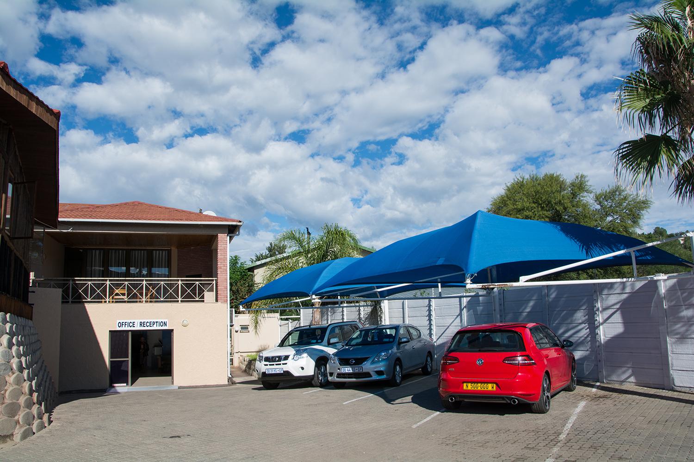 ナミビアのレンタカー屋