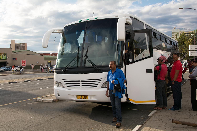 ナミビアからケープタウン行きのバス